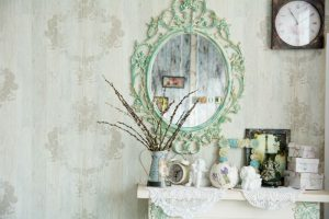 Antiqued and Unique: Home Design Trends in Mirrors and Glass