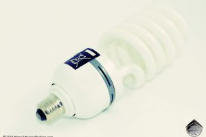Attention: Your Broken Fluorescent Light Bulbs Need Special Clean Up