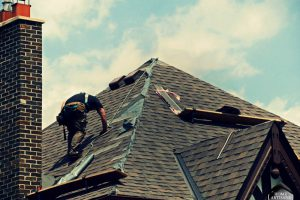 Roof Installation: What to Expect When Replacing Your Roof